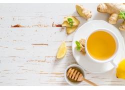 柠檬水和姜片