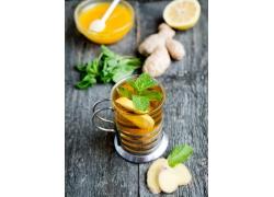 柠檬茶和姜片
