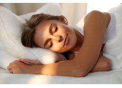 睡觉的美丽女人