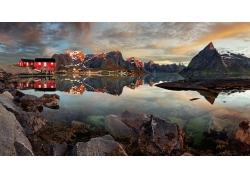 高山石头湖水风光