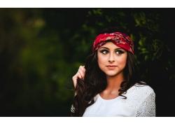 戴头巾的美女壁纸