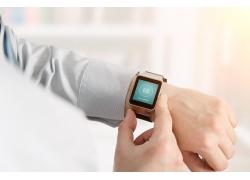 科技電子手表商務男人