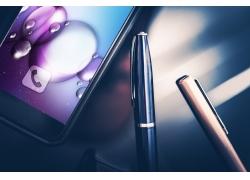 手機電話與鋼筆