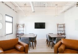 现代风格简约客厅装修效果实景图