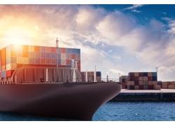 港口集装箱船高清图片