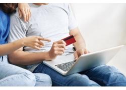 網上購物情侶圖片