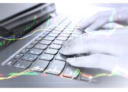 股票與筆記本電腦