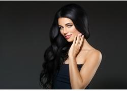 美丽漂亮黑色卷发