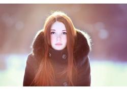 人,红发,妇女,蓝眼睛,简单的背景,阳光,看着观众,户外的女人,长发
