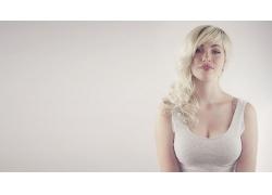 人,德文翡翠,大胸部,金发,雀斑,长发,简单的背景,模型,妇女5045