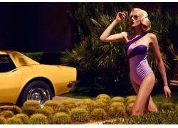 人,妇女,金发,游泳衣,戴眼镜的妇女,黄色的汽车,车辆,模型6659