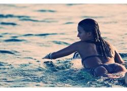 人,水,比基尼泳装,游泳衣,妇女,模型,冲浪,冲浪板,单色,黑发,湿,