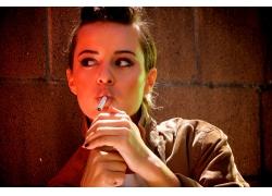 人,抽烟,香烟,妇女,黑发,模型,壁,面对,棕色的眼睛4835