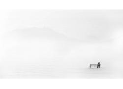 景觀,冬季,雪,極簡主義,男人,坐在,長凳,后視圖,白色背景,輪廓,山