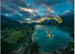景觀,飛行,滑翔傘,湖,山,市,領域,日落,云,法國318371