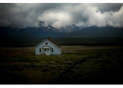 领域的蓝色房子