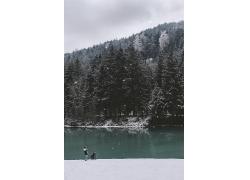 雪山湖水森林风光