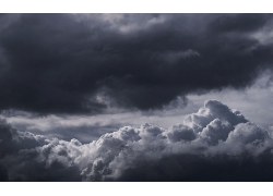 阴天的云朵