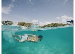 绿树海水游泳