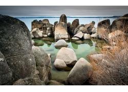 石头海滩岸边大海景观风景风光照片