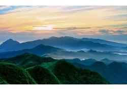 薄霧朝陽大山深山天空自然景觀風光風景照片