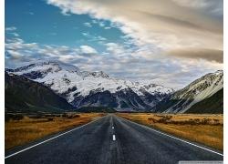 雪山 公路 藍天白云圖片