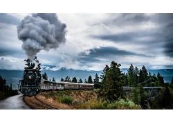 蒸汽汽车火车轨道天空森林树木风光风景景观照片