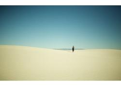 沙漠行人,