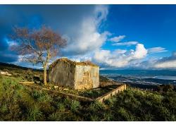 废弃小屋建筑树木草地空地风景风光景观照片