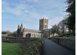 教堂城堡草地外墙外观高清图片