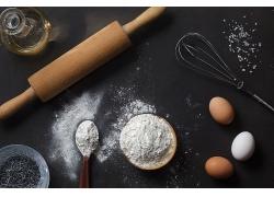 简约擀面杖小麦面粉揉粉天然美食食品白色粉末海报背景高清图片