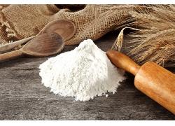 简约擀面杖小麦面粉天然美食食品白色粉末海报背景高清图片
