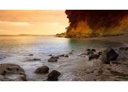 美丽优美云霞彩霞天空大海水面海滩石头景观风景高清图片