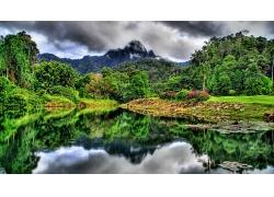 美麗優美大山深處大自然大山河流森林自然景觀風景高清圖片