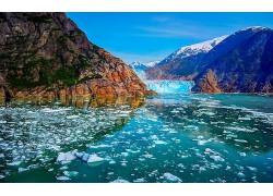 美麗優美冰川山谷雪景冬季冰川融化化雪美景風景景象高清圖片