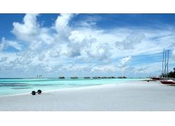 美丽蔚蓝海滩海边白色沙滩天空景观美丽风景高清图片