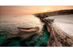 优美美丽岩石峭壁大海景观美景高清图片