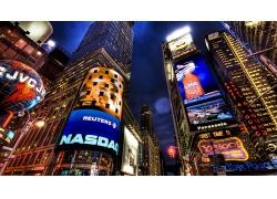 繁華的商業城市夜景