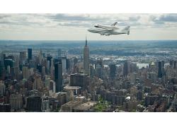 現代大都市與航空飛機