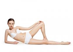 白色内衣内裤女性模特